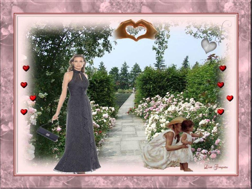 Fais que ton ombre se berce lentement De pas feutrés et d'un désir ardent; Sur un sentier bordé des plus belles roses, Sois toujours un parfum de rose