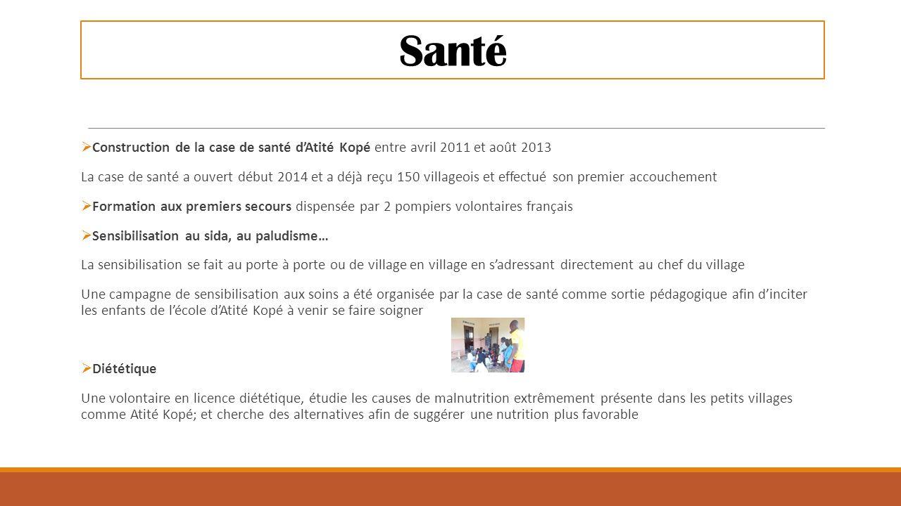 Santé  Construction de la case de santé d'Atité Kopé entre avril 2011 et août 2013 La case de santé a ouvert début 2014 et a déjà reçu 150 villageois