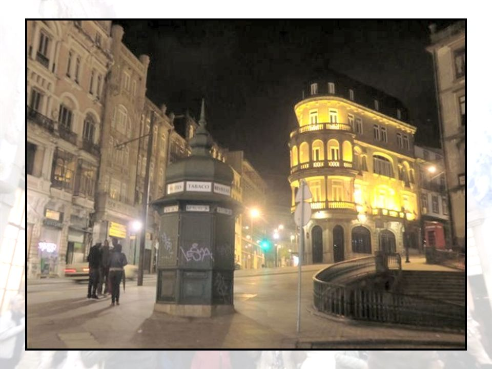 Nous commençons par une agréable visite de nuit de Porto