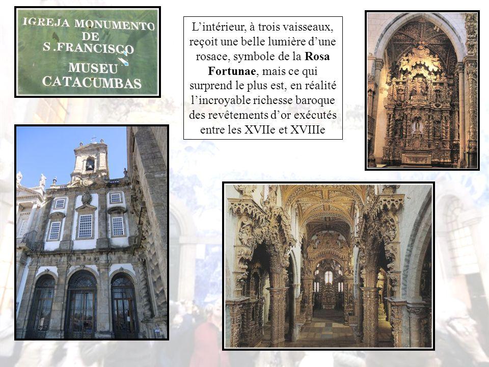 Appelée ''Igreja de Ouro'', l'église d'or, pour la somptuosité des boiseries sculptées et dorées qui revêtent l'intérieur, est une église typiquement gothique
