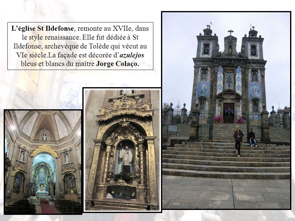 La Igrea Do Carmo, l'église des carmes, fut construite entre 1756 et 1768, pour le tiers ordre des carmes.La façade latérale extérieure, tournée vers l'orient, est remarquable, revêtue d'un énorme panneau d'azulejos.