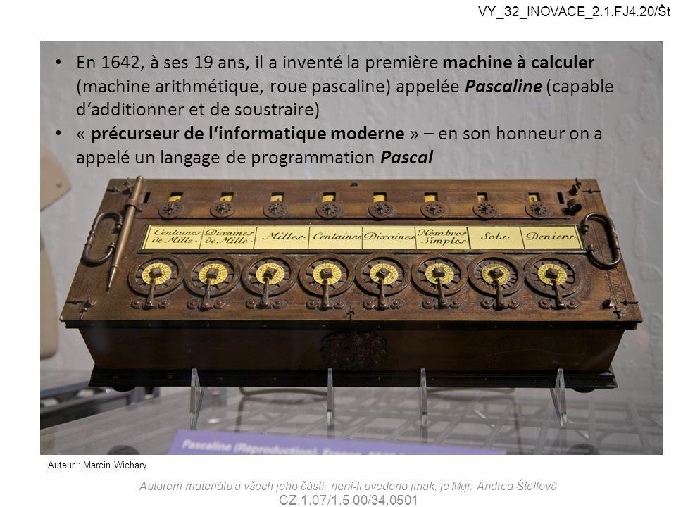 Auteur : Marcin Wichary En 1642, à ses 19 ans, il a inventé la première machine à calculer (machine arithmétique, roue pascaline) appelée Pascaline (c
