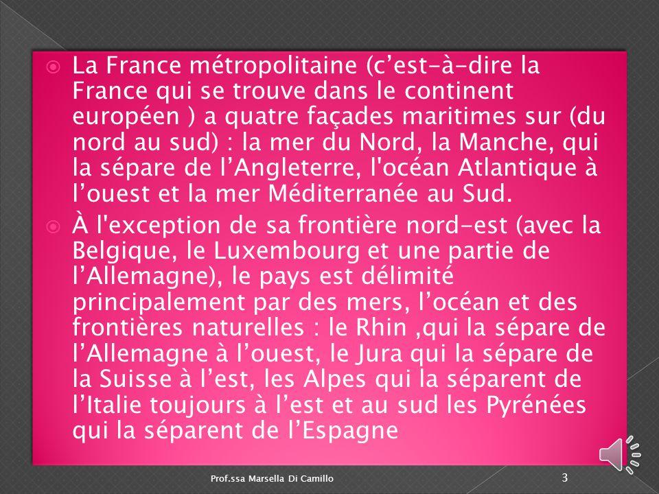  La superficie de la France est de 551 500 km carrés (675 417 km² avec l'outre- mer)  la France s'étend sur 1 000 km du nord au sud et d'est en oues