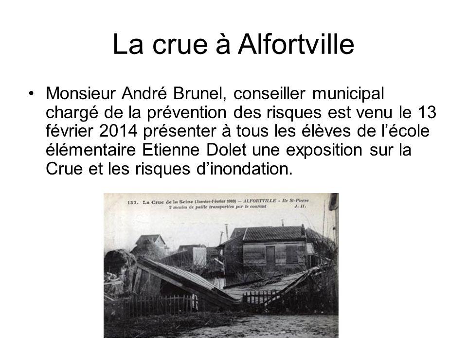 La crue à Alfortville Monsieur André Brunel, conseiller municipal chargé de la prévention des risques est venu le 13 février 2014 présenter à tous les