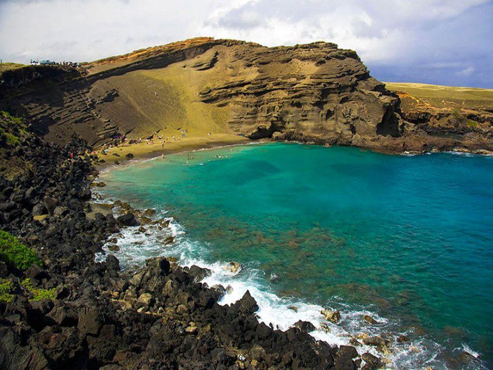 La plage de Papakolea et son sable vert, Hawaï