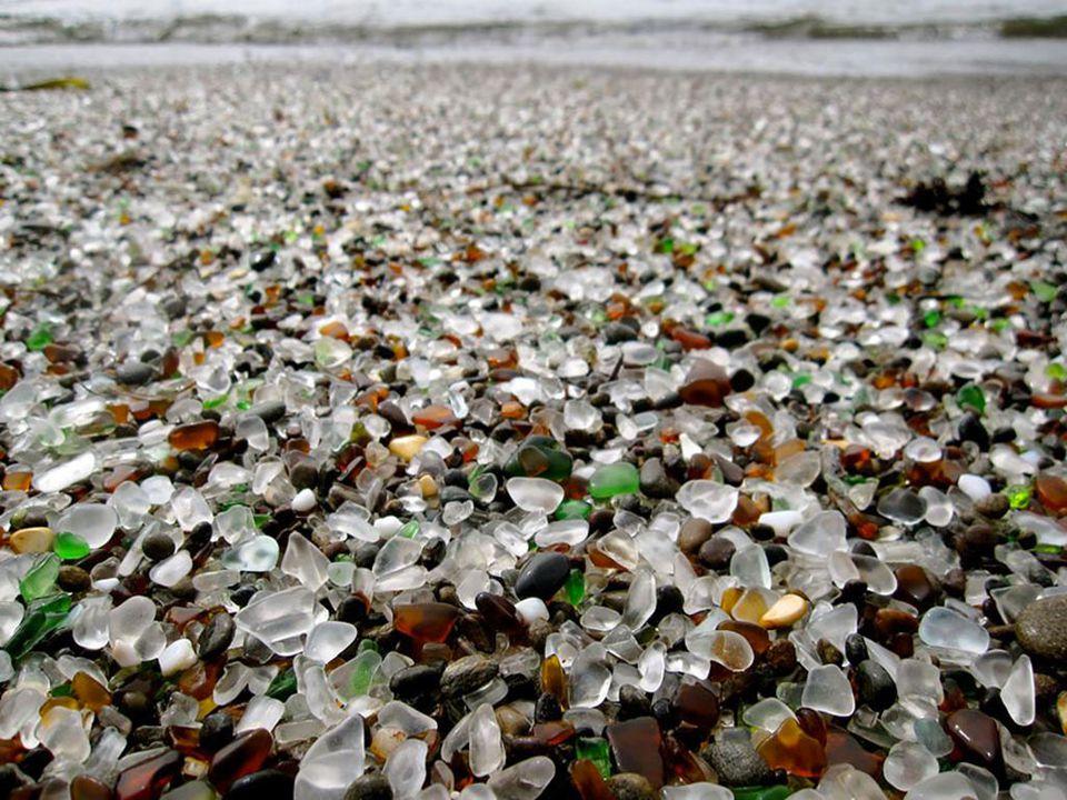Le sable noir de Punalu'u, Hawaï