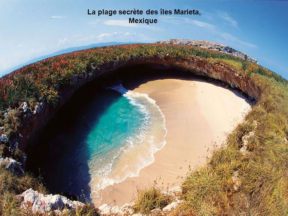 La plage secrète des îles Marieta, Mexique