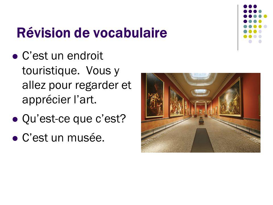 Révision de vocabulaire C'est un papier qu'on plie en trois avec des informations touristiques.