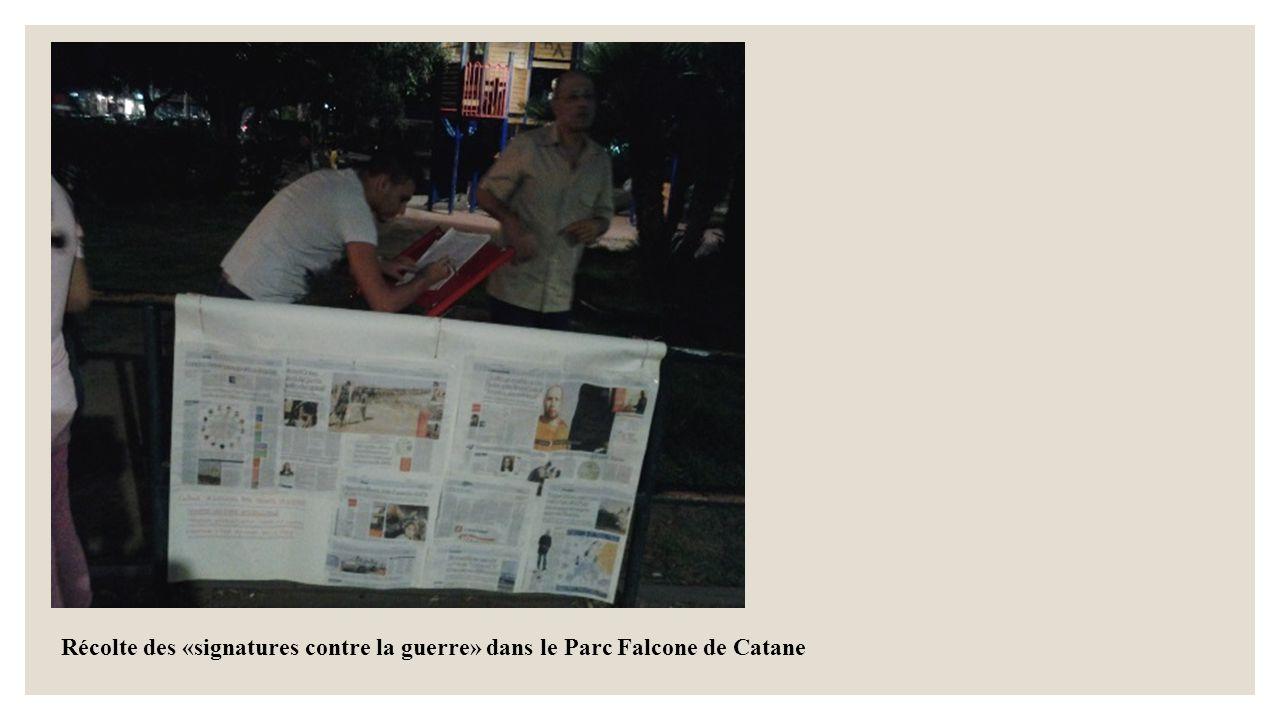 Récolte des «signatures contre la guerre» dans le Parc Falcone de Catane