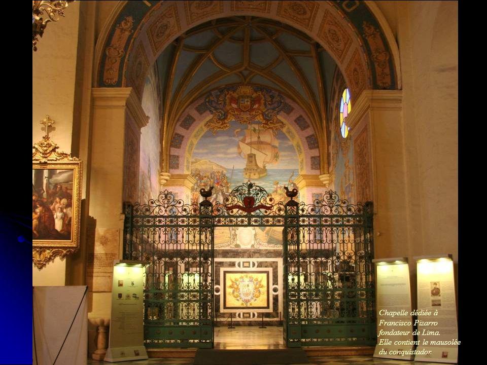 Une des douze chapelles situées de chaque coté de la nef.