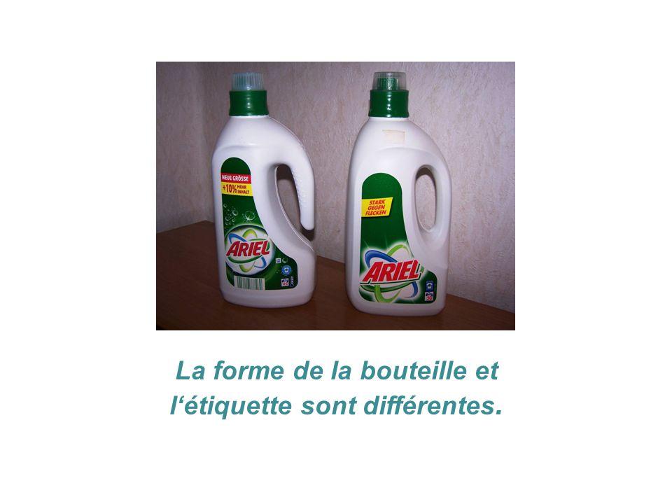 La forme de la bouteille et l'étiquette sont différentes.