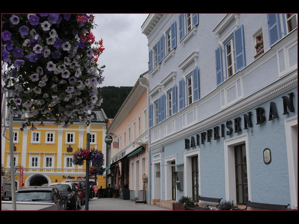 Les jolies rues avec leurs anciennes maisons bourgeoises