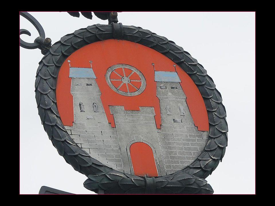 La belle église paroissiale consacrée en 1417