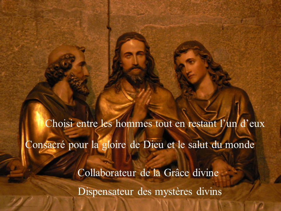 Irradiant la présence aimante du Christ Profondément joyeux Attentif à tous Confident partageant joies et peines