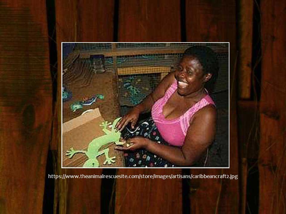 Les artisans haïtiens ont, pendant des siècles, embelli leur environnement, leurs jardins, leurs lakous, leurs maisons, leurs ustensiles, leurs icônes spirituelles, leurs véhicules, leurs ponts, leurs monuments historiques et commémoratifs.