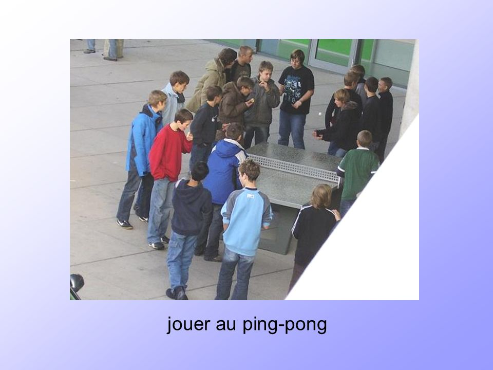 jouer au ping-pong