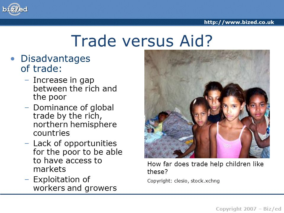 advantages and disadvantages of globalization and international trade Every country has comparative advantages -- things that it can just do better than others when there are no barriers to trade, a country is free to concentrate its economic activity on those things, and it can sell those products or services to the rest of the world.