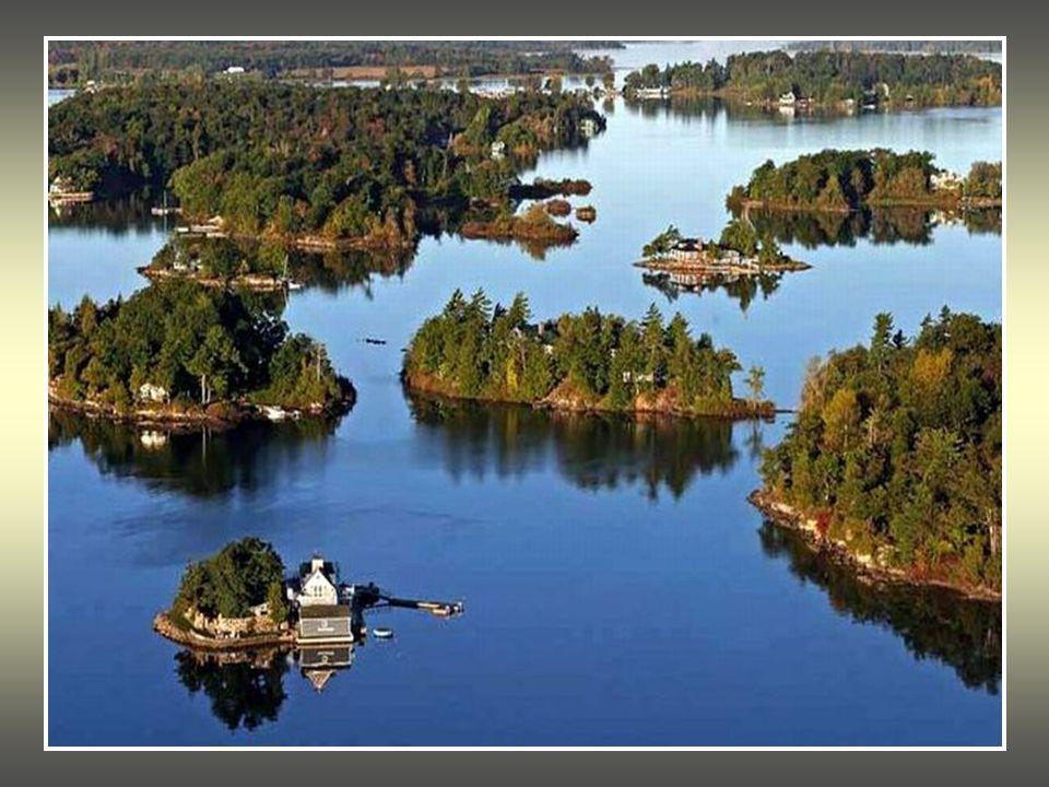 Extrêmement Les Mille Îles sont une chaîne d'îles située entre les États-Unis  EM55